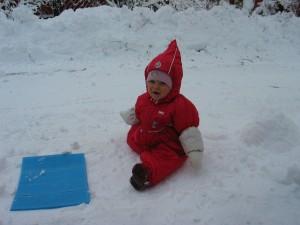Piros manó a hóban